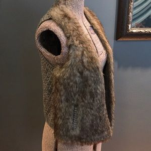 Vintage Havana gray knit/faux fur vest NWT, medium